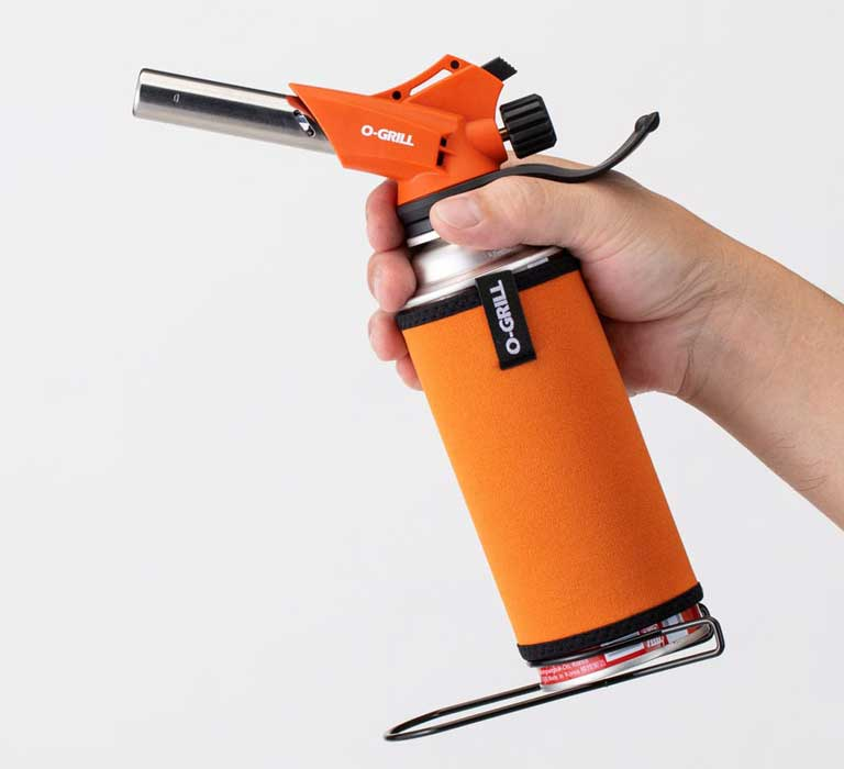 GT-660A Long Nozzle Butane Blow Torch in the Hand